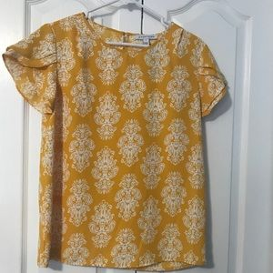 NWT 41 Hawthorne yellow tulip sleeve blouse